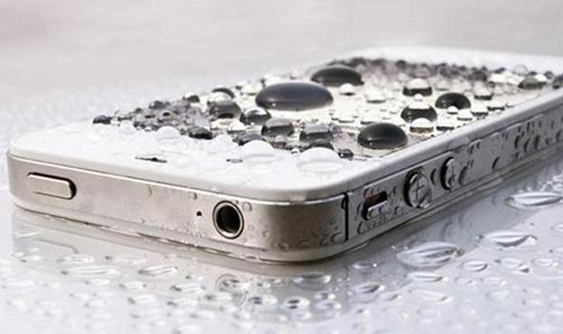 5 goede tips om een iPhone te redden die in het water is gevallen!